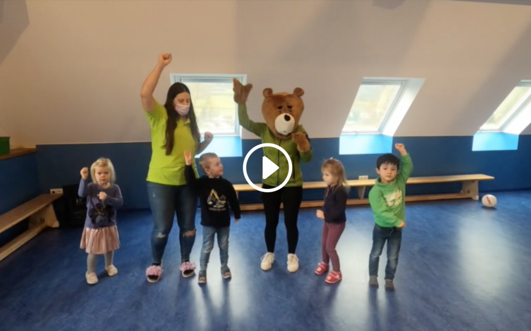 Kinder tanzen unseren KiTa-Song